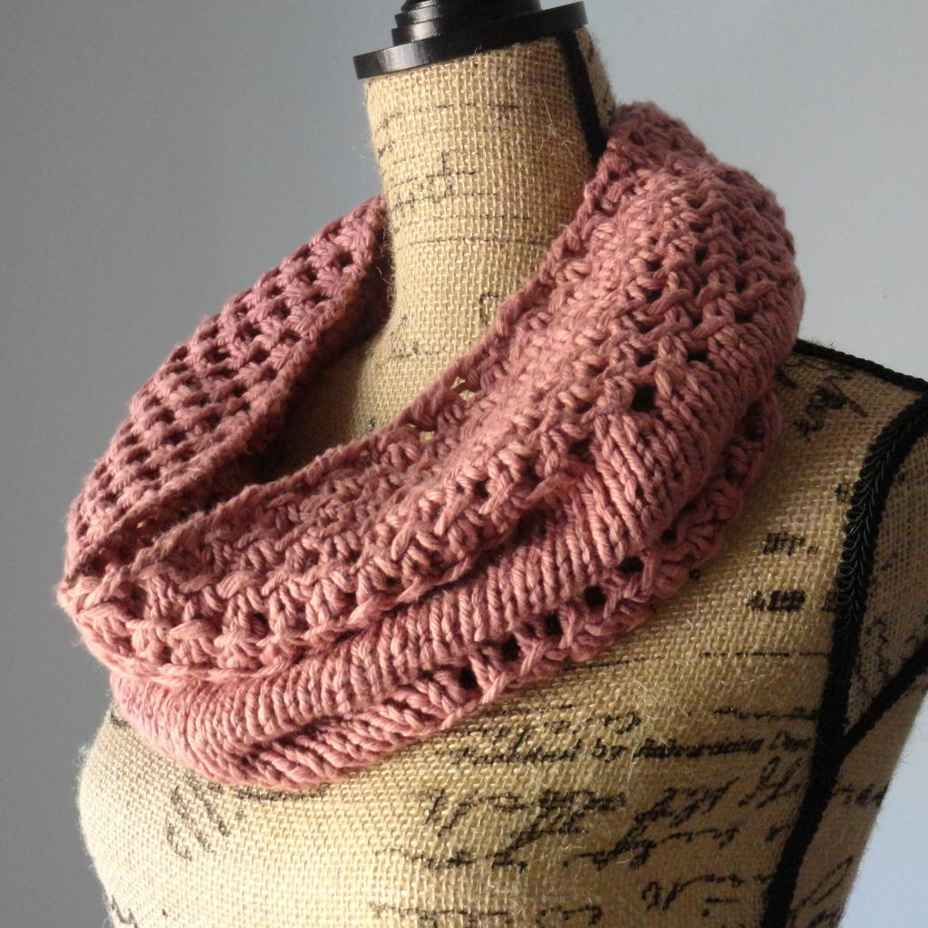 Selling Knitting Patterns : Irish Mesh Cowl - Purl Avenue