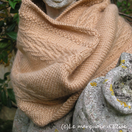Linen Chevron Cowl Pattern Now In French!